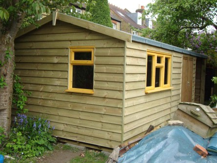 feather edge shed